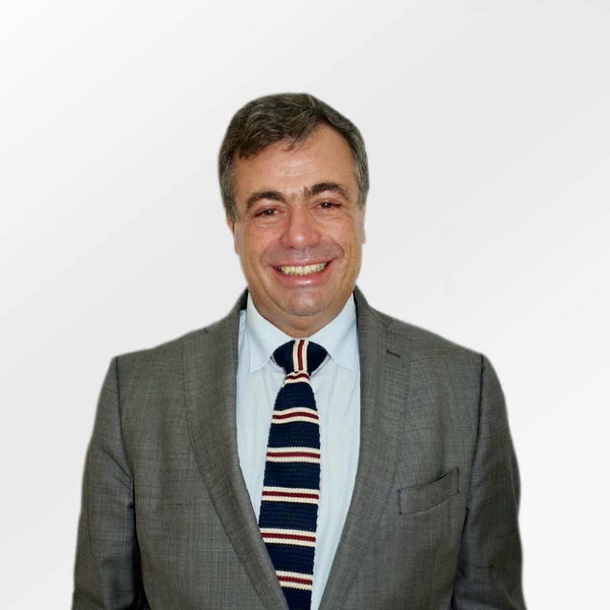 Prof. Quintino Aires
